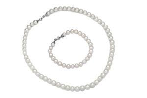 insieme collana e bracciale di perle